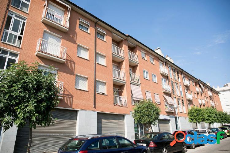 Piso de 3 habitaciones con plaza de parking en Vila-Seca,