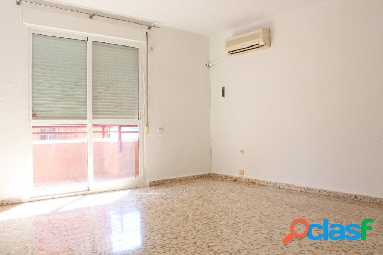 Piso de 4 dormitorios en El Palmar