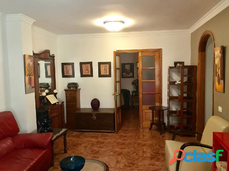 Piso de 4 dormitorios en La Vega