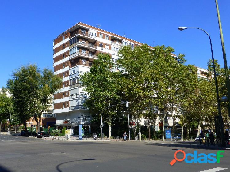 Piso de 4 habitaciones en venta en Madrid, distrito
