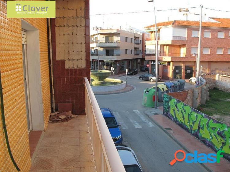Piso de cuatro dormitorios en Santiago de la Ribera
