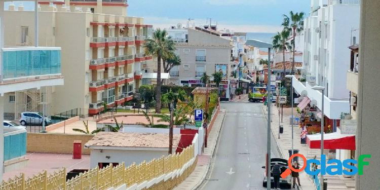 Piso en La Carihuela, a un paso de la playa