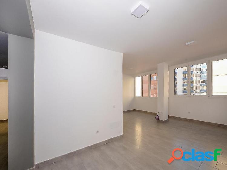 Piso en venta de 150 m² en Calle Carlos Mauricio Blandy,