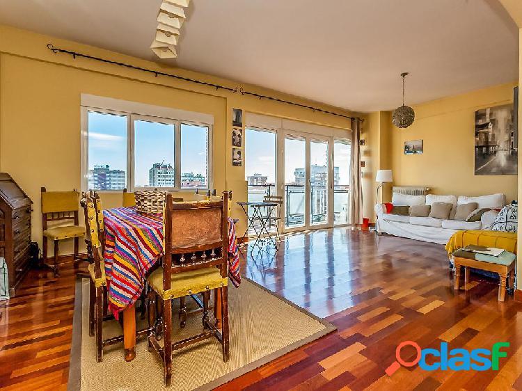 Piso en venta de 180 m2 en Paseo de la Castellana 223,