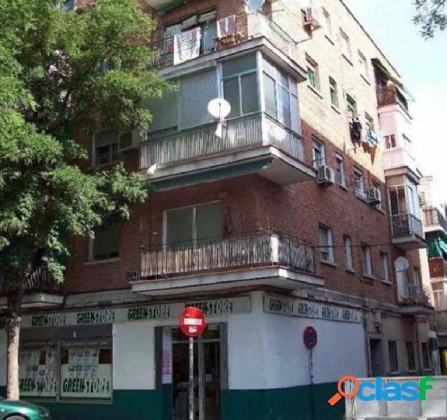 Piso en venta en calle Avecilla, zona de Vista Alegre /
