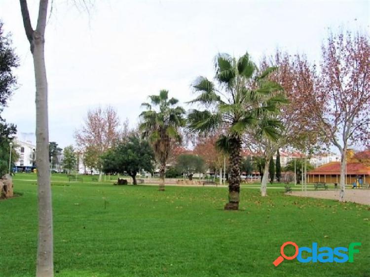 Piso en zona Miralbaida