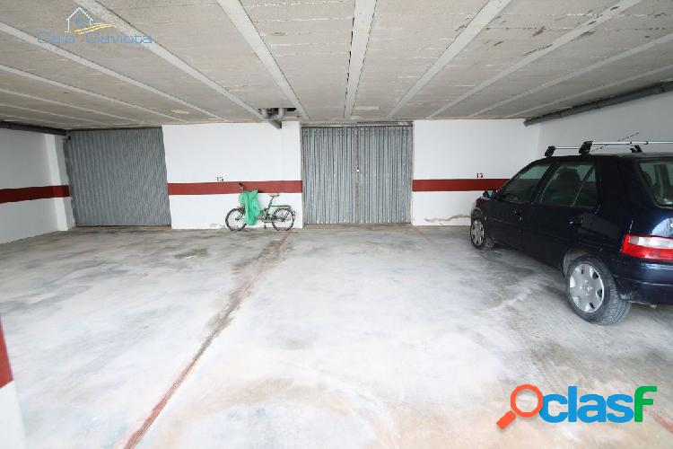 Plaza de aparcamiento y garaje