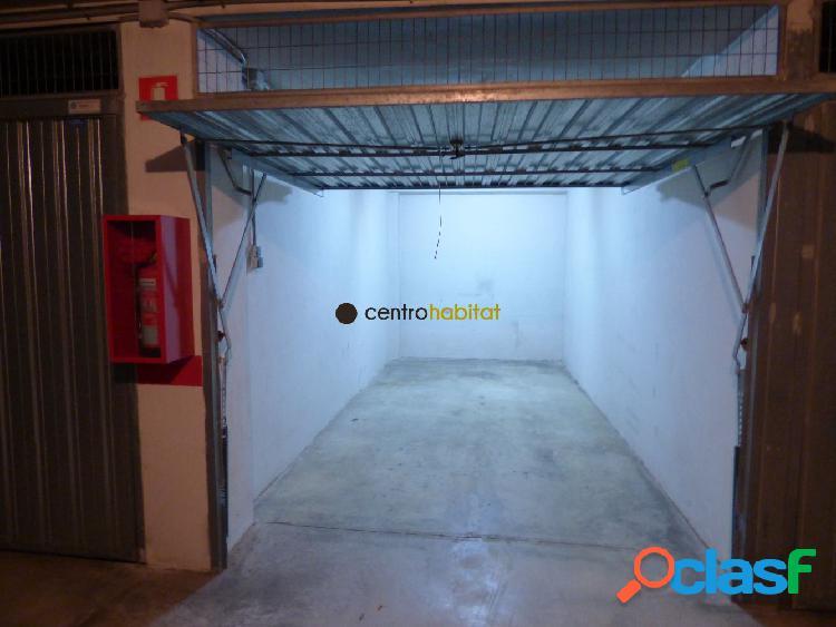 Plaza de garaje cerrada en pleno centro de elda. Muy bien