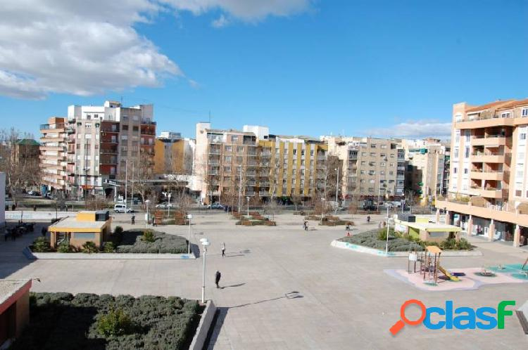 Plaza de garaje en Plaza Los Cármenes