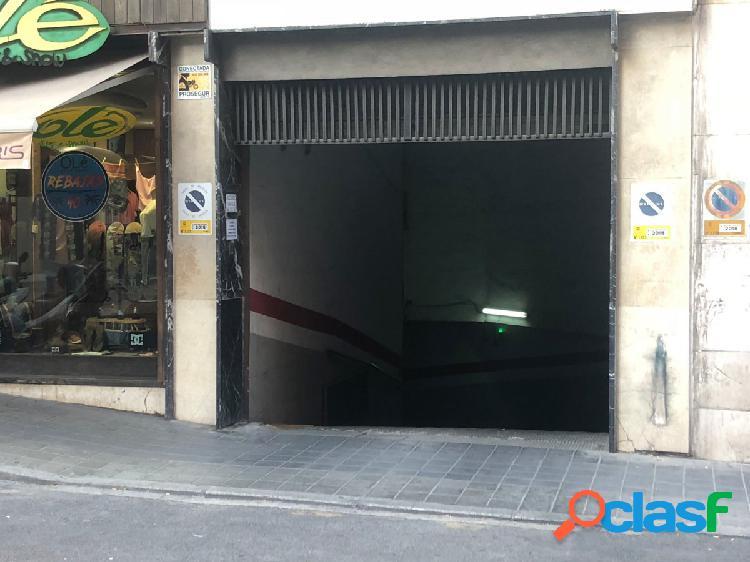 Plaza de garaje en el centro de Alicante-Calle Alemania