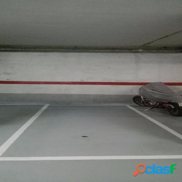 Plaza de garaje para coche y moto en Plaza Ayuntamiento de