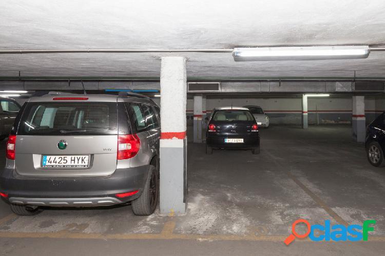 Plaza de parking en Joaquin Costa