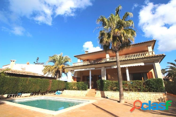 Preciosa Villa con licencia de alquiler vacacional para 8