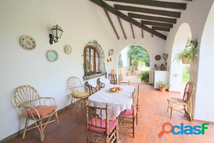 Preciosa Villa en Pedreguer de estilo rústico y muy