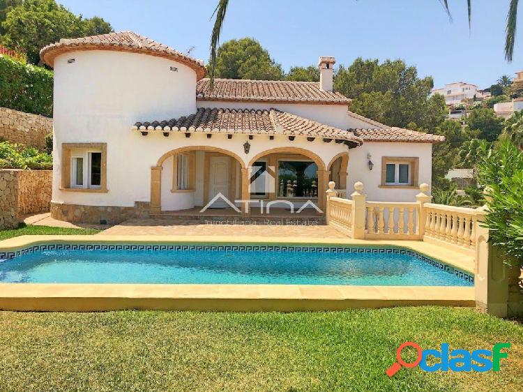 Preciosa Villa en venta en Javea con vistas al mar en la