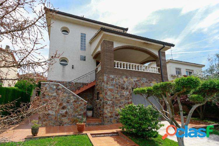 Preciosa casa en Can Amat es ideal tiene todo lo que una