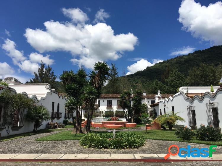 Preciosa casa en venta con vistas a los volcanes, dentro de