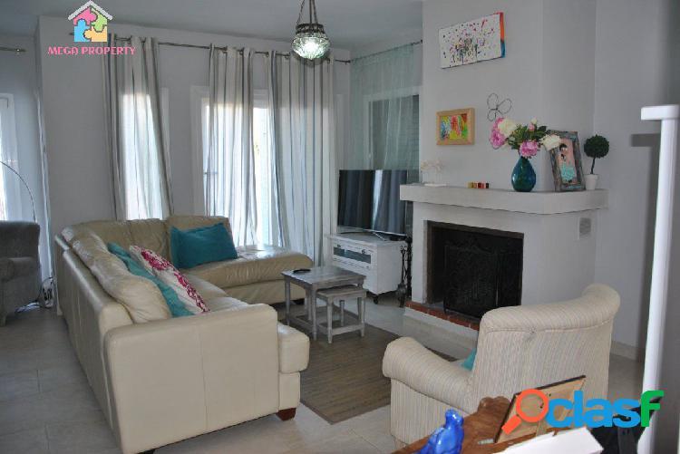 Preciosa villa en alquiler en Pueblo Nuevo de Guadiaro