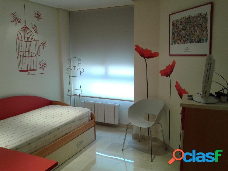 Preciosa vivienda en Zona San Blas, 106 m2, 3 dormitorios, 2