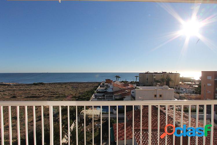 """Precioso Apartamento con vistas frontales al mar en """"Rocio"""