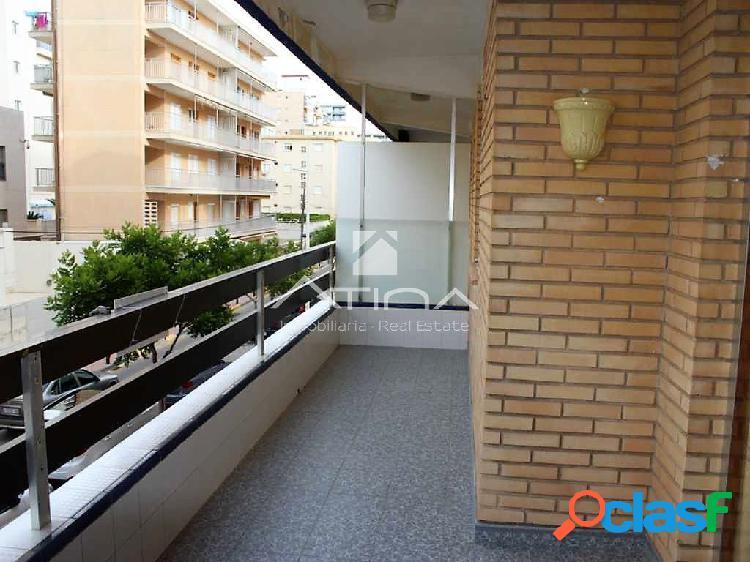 Precioso apartamento con vistas al mar situado en 2ª linea