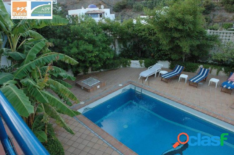 Precioso chalet de 4 habitaciones en Mojácar Playa