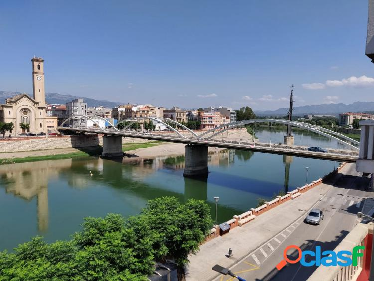 Precioso piso delante del Rio Ebro en el centro cerca del