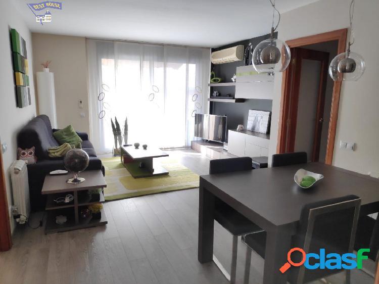 Precioso piso seminuevo de 85 m2, 3 hab, 2 baños, plaza de