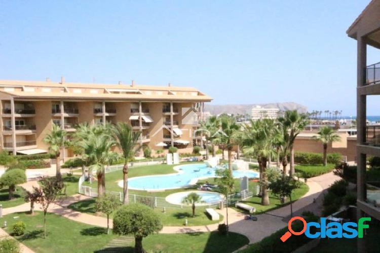 Precioso y amplio apartamento con vistas al mar en la zona