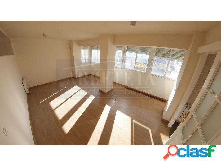Precioso y luminoso piso de 2 dormitorios en el centro de