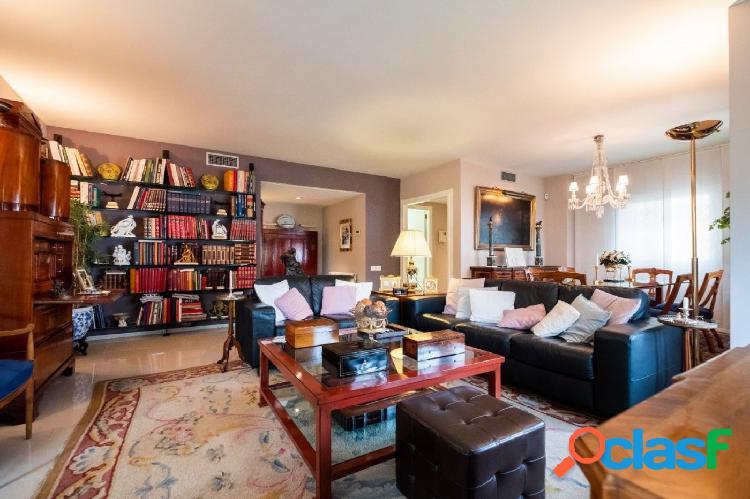 Precioso y luminoso piso en el Vinyet con terraza, parking y