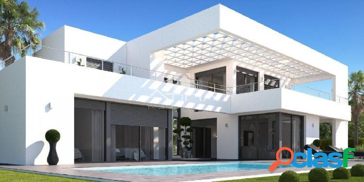 Proyecto llave en mano, villa moderna con jardín y piscina,