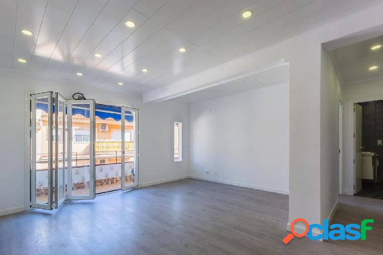 Recently renovated 3 bedroom apartment in the center of