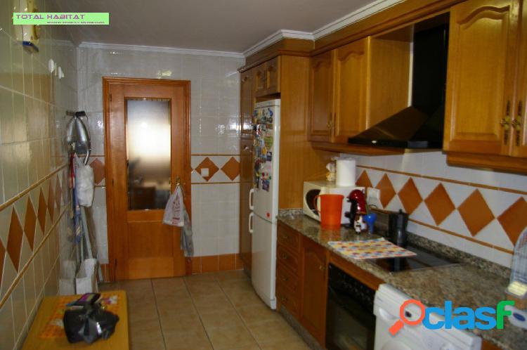 Ref. 00534 Se VENDE Vivienda tipo piso de 4 hab. y 2 baños