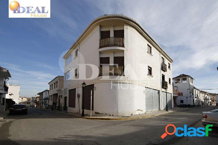 Ref: A1866. Gran local de 185 m2 en el centro de Las Gabias.