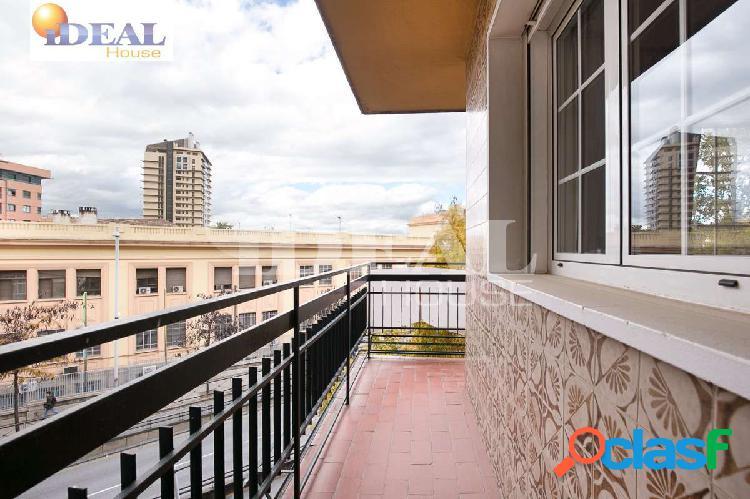 Ref: A2022V5. Gran piso en zona Avenida de Madrid de cuatro