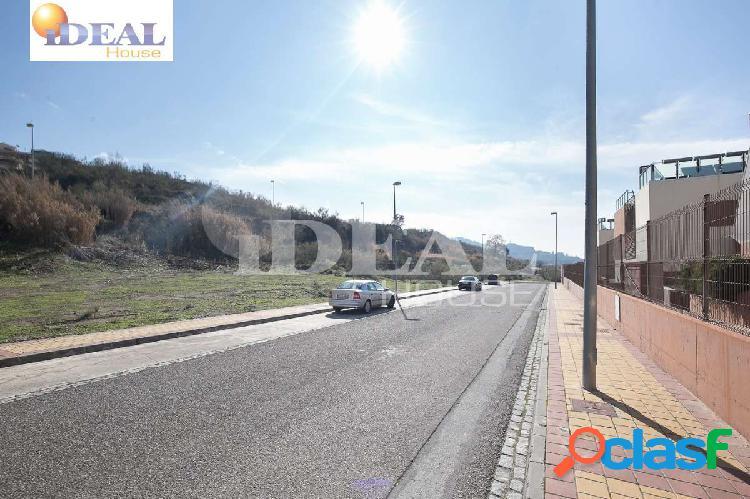 Ref: A2250. Amplio solar en la entrada de Jun como suelo