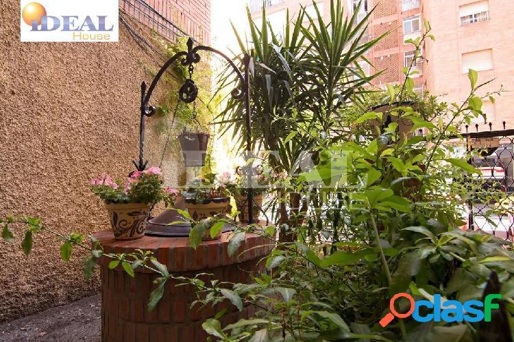 Ref: A2887M4. Piso situado en Calle Perugia, junto Merca 80-