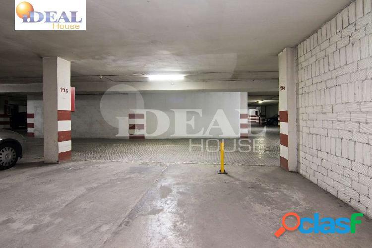 Ref: A3350J6. Plaza de garaje junto a la Glorieta de Arabial