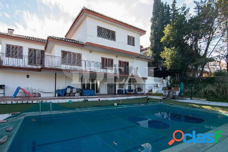 Ref: A3815V5 Viva en una de las zonas más lujosa de Granada