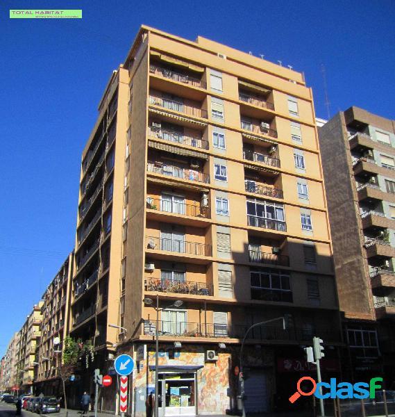 Ref:00567 Se VENDE piso 126 m2 4 habitaciones y 2 baños