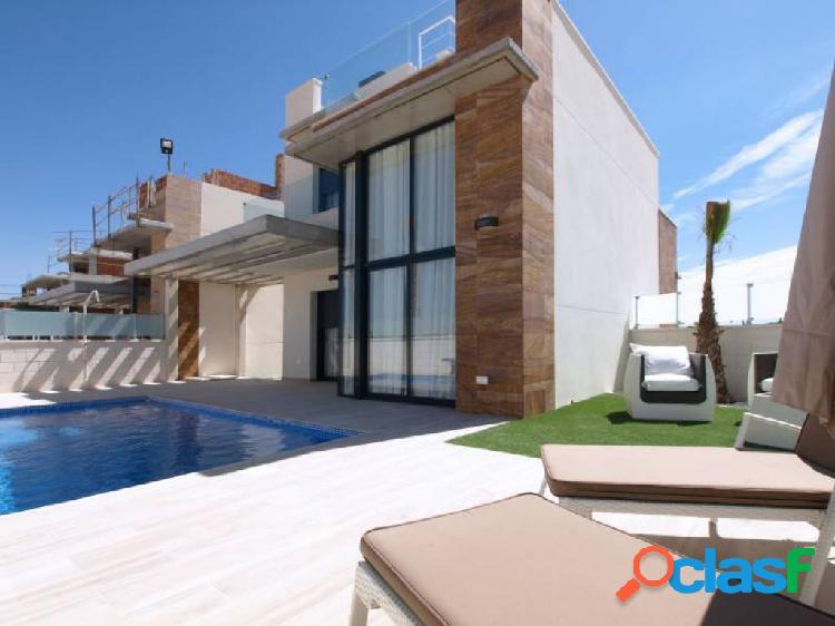 Residencial de villas independientes con piscina privada