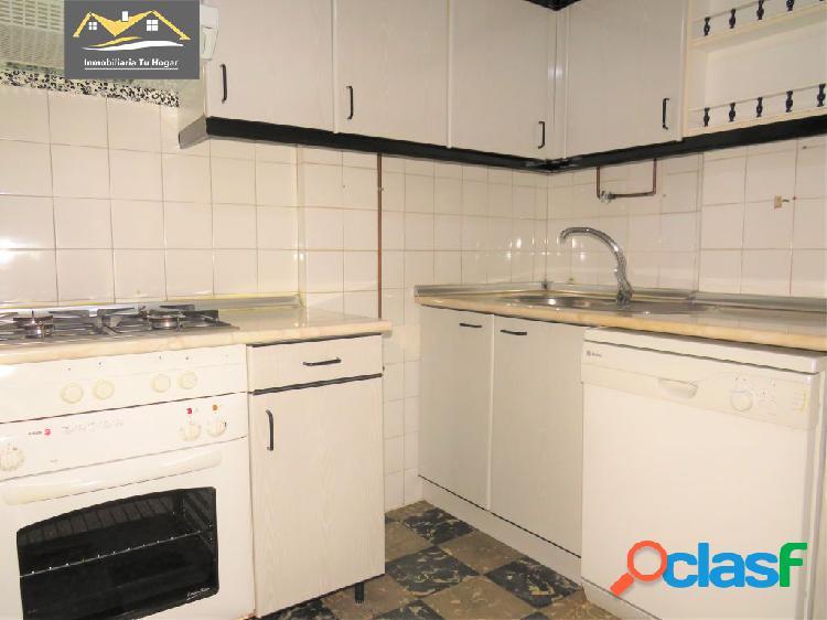 SE ALQUILA PISO EN AVENIDA BUENOS AIRES-RUA NOVA. REF: 01250