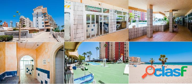 SE VENDE LOCAL COMERCIAL EN CALPE.