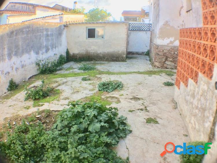 Se Vende Casa Planta Baja con PATIO 52m2