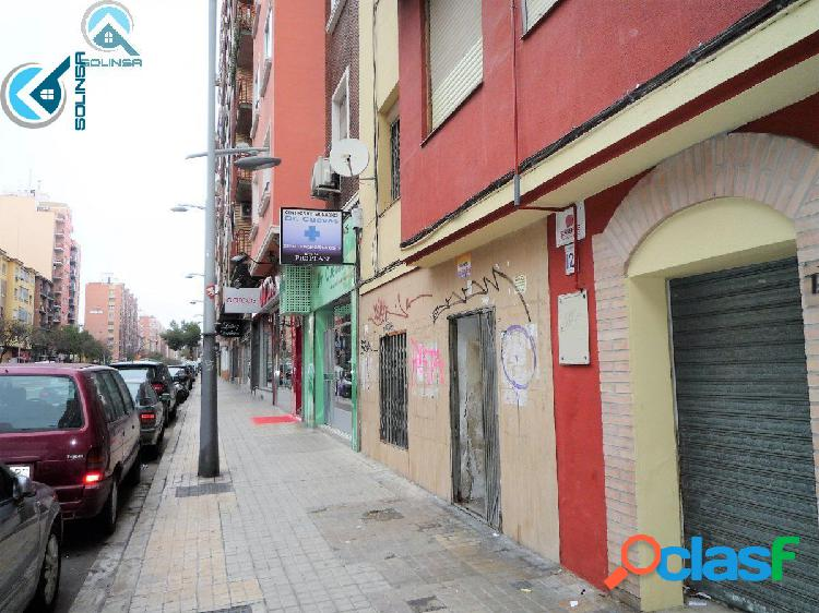 Se Vende Local Comercial en Avd. Tenor Fleta 121