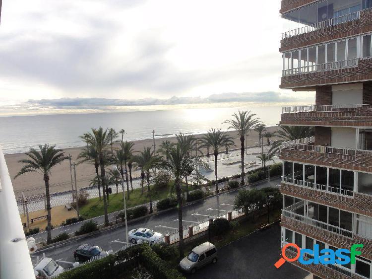 Se Vende Piso en Primera Línea San Juan Playa Alicante.