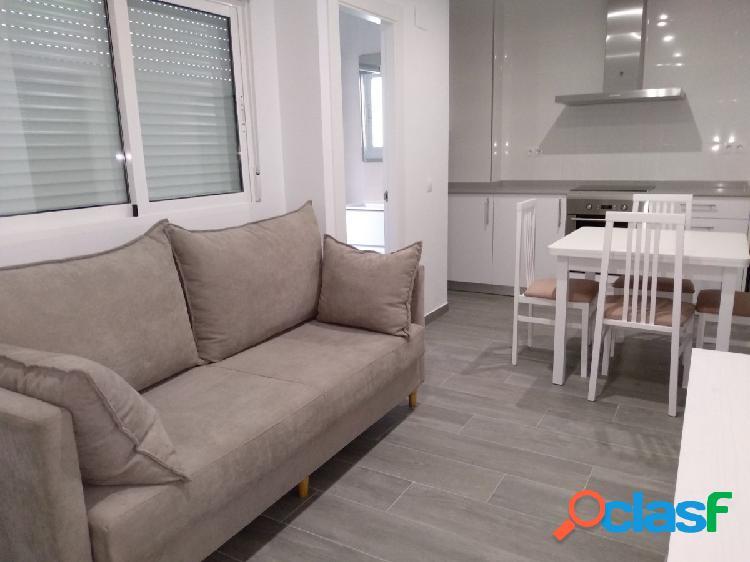 Se alquila piso amueblado y con electrodomésticos