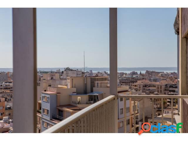 Se vende 13º piso en venta con bonitas vistas a Palma