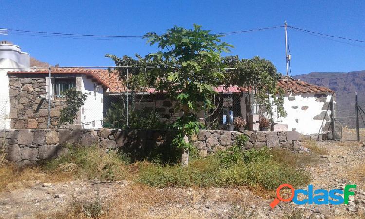 Se vende Casa con Terreno en San Bartolomé de Tirajana.